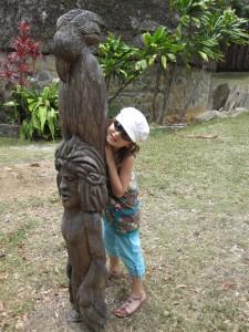 Un totem représentant un Cagou, animal favori de Noémie